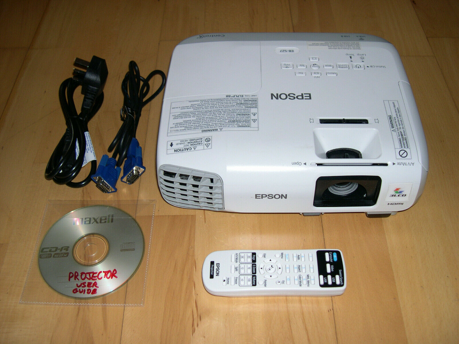 Epson EB-S27 HDMI SVGA LCD Projector Data/Video/HD-Ready USB Powerlite. LOW USE