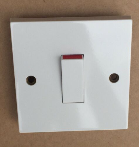 1 x MEM 1 Gang 20A DP Switch FM2200 White Plastic US29