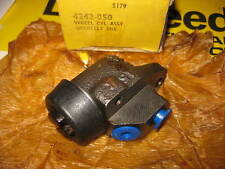 NEW R/H LOCKHEED FRONT WHEEL BRAKE CYLINDER - FITS: AUSTIN MINI MK2 (1967-ON)