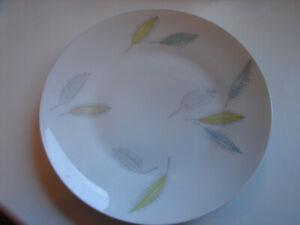 Assiette-24-5cm-Rosenthal-Forme-2000-034-Tombant-Feuilles-034-Plusieurs