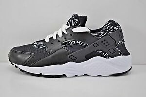best sneakers f468f b193f Image is loading Nike-Huarache-Run-Print-GS-Running-Shoes-Size-