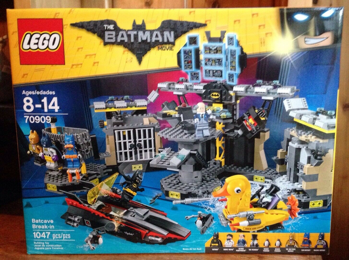 The LEGO Batman Movie Batcave Break-in 70909 MISB