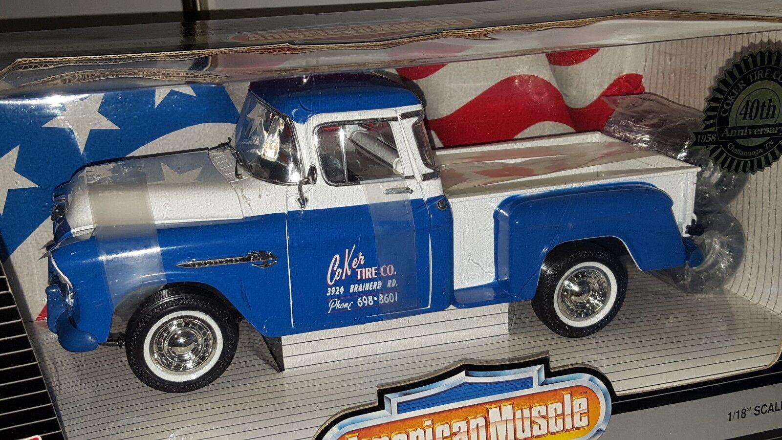 nueva gama alta exclusiva 1 1 1 18 Ertl American Muscle Coker Tire Co 1955 Chevrolet 3100 Stepside Azul blancoo OD  punto de venta de la marca