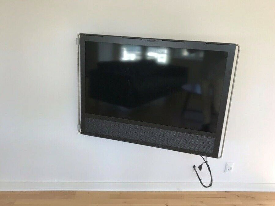 LCD, Bang & Olufsen, Beovision V1