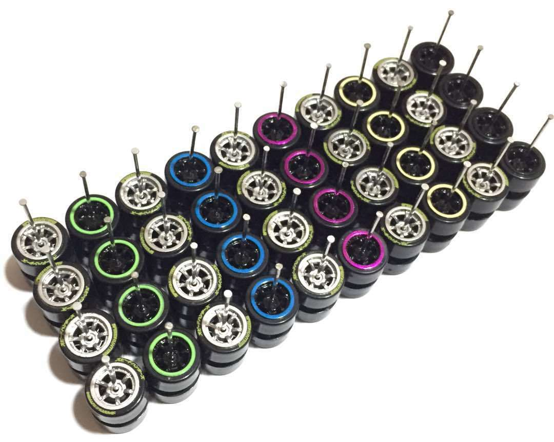 Hot Wheels Tomy Talla 1:64 plástico Llantas Rines-comold Mezcla Color-Lote de 20 - 309