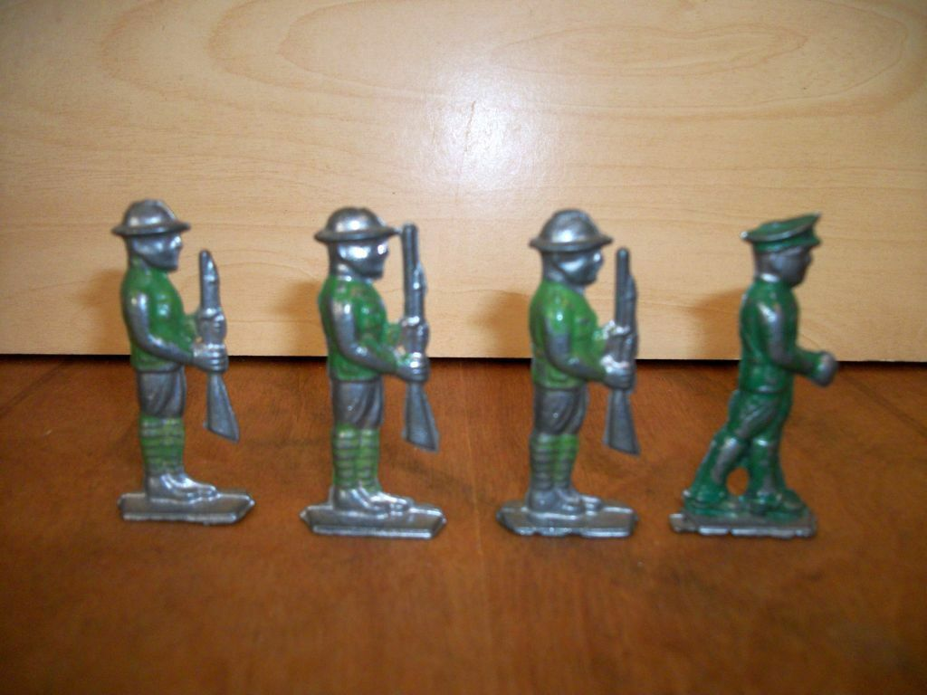 British Infantry Soldiers Vintage Lot of Four, Collectors age 12 and up., Die Ca