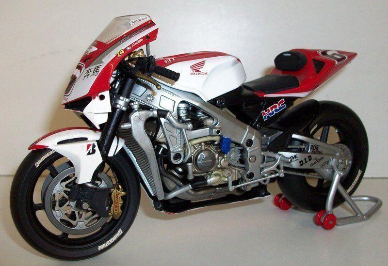 Minichamps 1 12 Scale 122 037106 Honda RC211V Pramac Makado Tamada 2007 Signed  | Niedriger Preis und gute Qualität