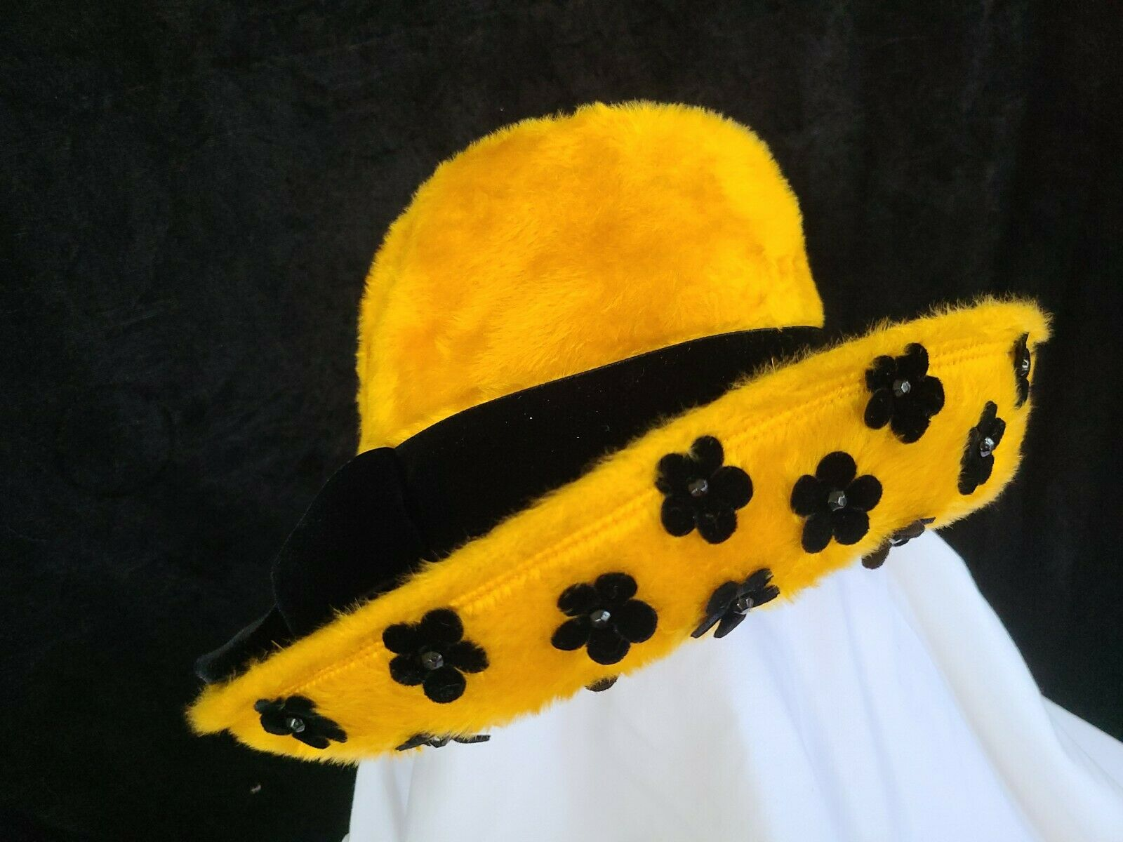 Vintage Felt/fur Gold And Black Woman's Hat made in Italy small/med