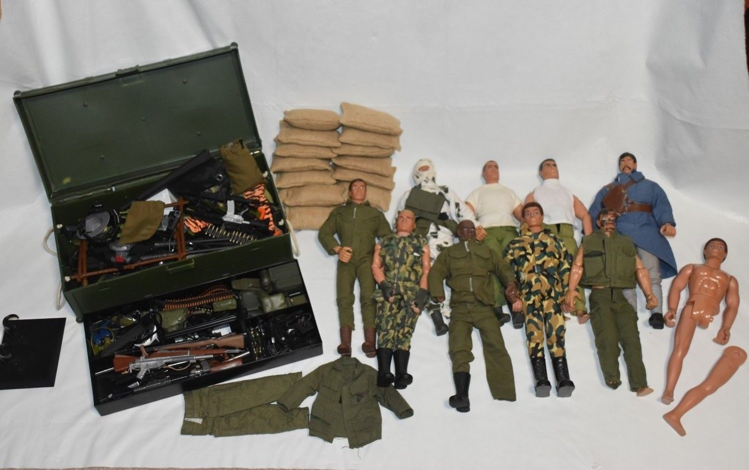 Vintage 1992 Hasbro G.I. Joe & Formative International Figures & Accessories Lot