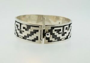 Vintage-925-Sterling-Silver-Tribal-Taxco-Mexico-TC-24-ACT-Bracelet-Cuff