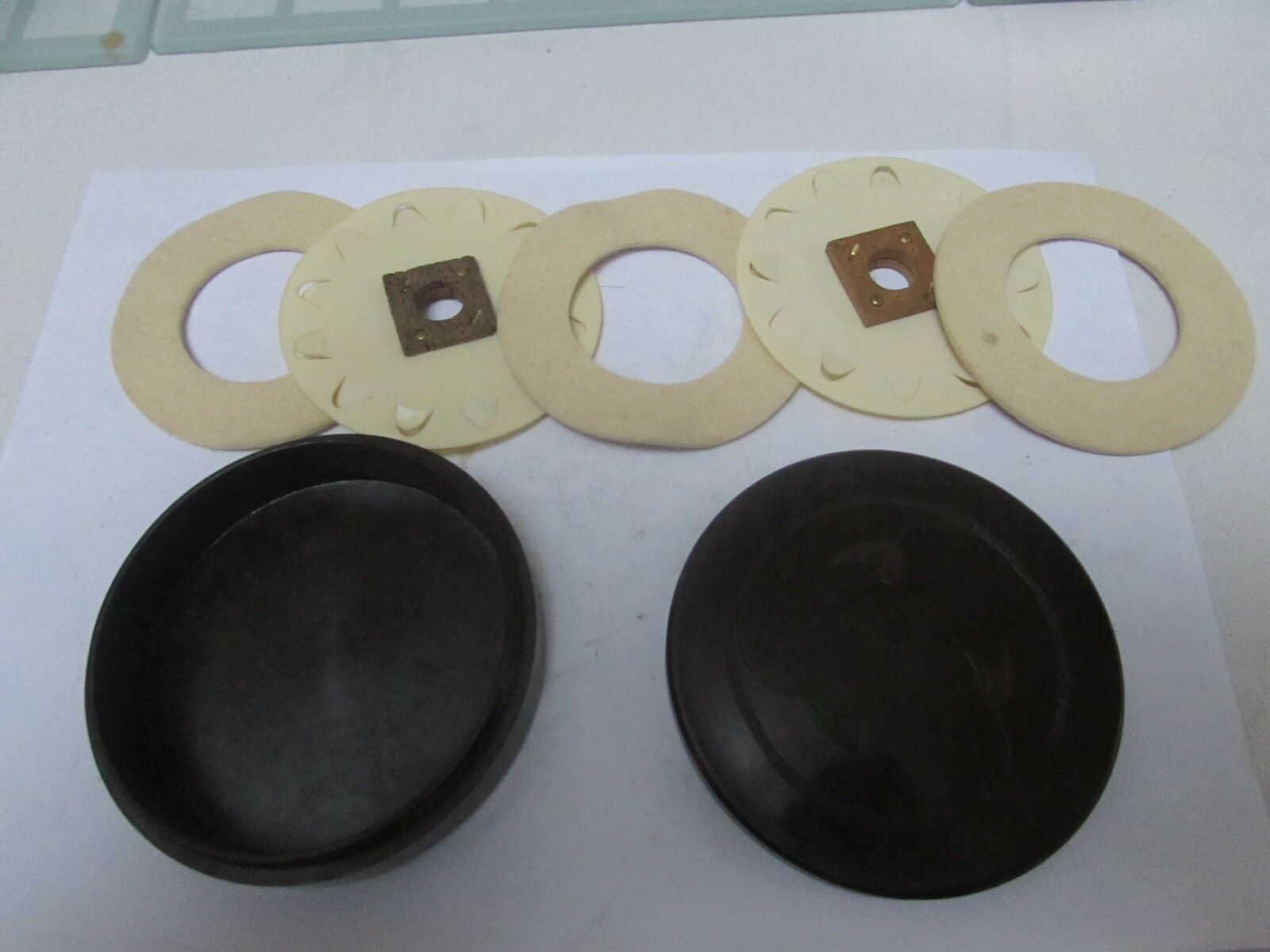 Excellent vintage hardy blackda circular bakelite cast fly fishing album case