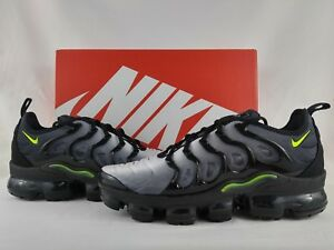 0abe7b84dbf Nike Air Vapormax Plus Black Volt White Running Shoe Men s Size 8 ...