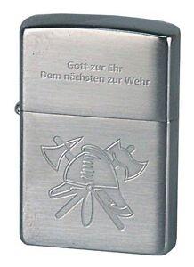 ZIPPO-Benzin-Feuerzeug-Feuerwehr-Helm-mit-Spruch-NEU-in-Deutschland-PORTOFREI