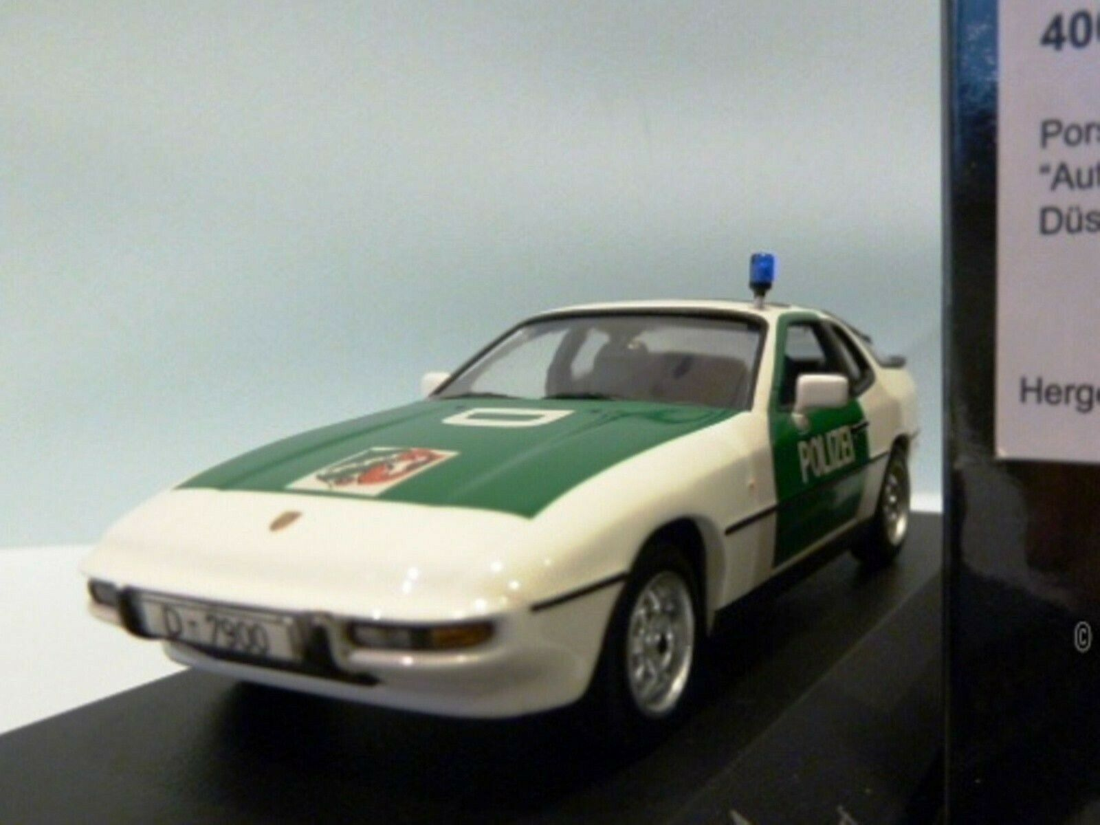 Wow extrêmement rare PORSCHE 924 2.5 L 1984 Police 1 43 Minichamps - 944-968 - SPARK-GT