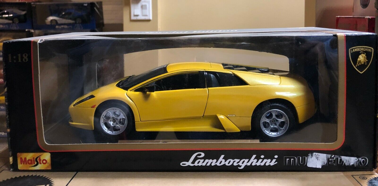 LAMBORGHINI MURCIELAGO Coupé jaune Orion jaune 1 18 par MAISTO new in OLD Box