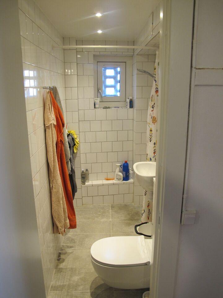 Delevenlig andel med nyt badeværelse