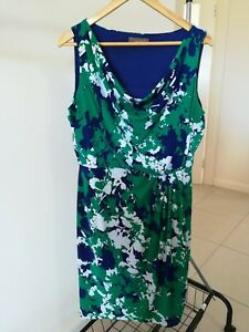 Jacqui-e-Size-M-Blue-and-Green-Floral-Cowl-Neck-Stretch-Shift-Dress-Near-New