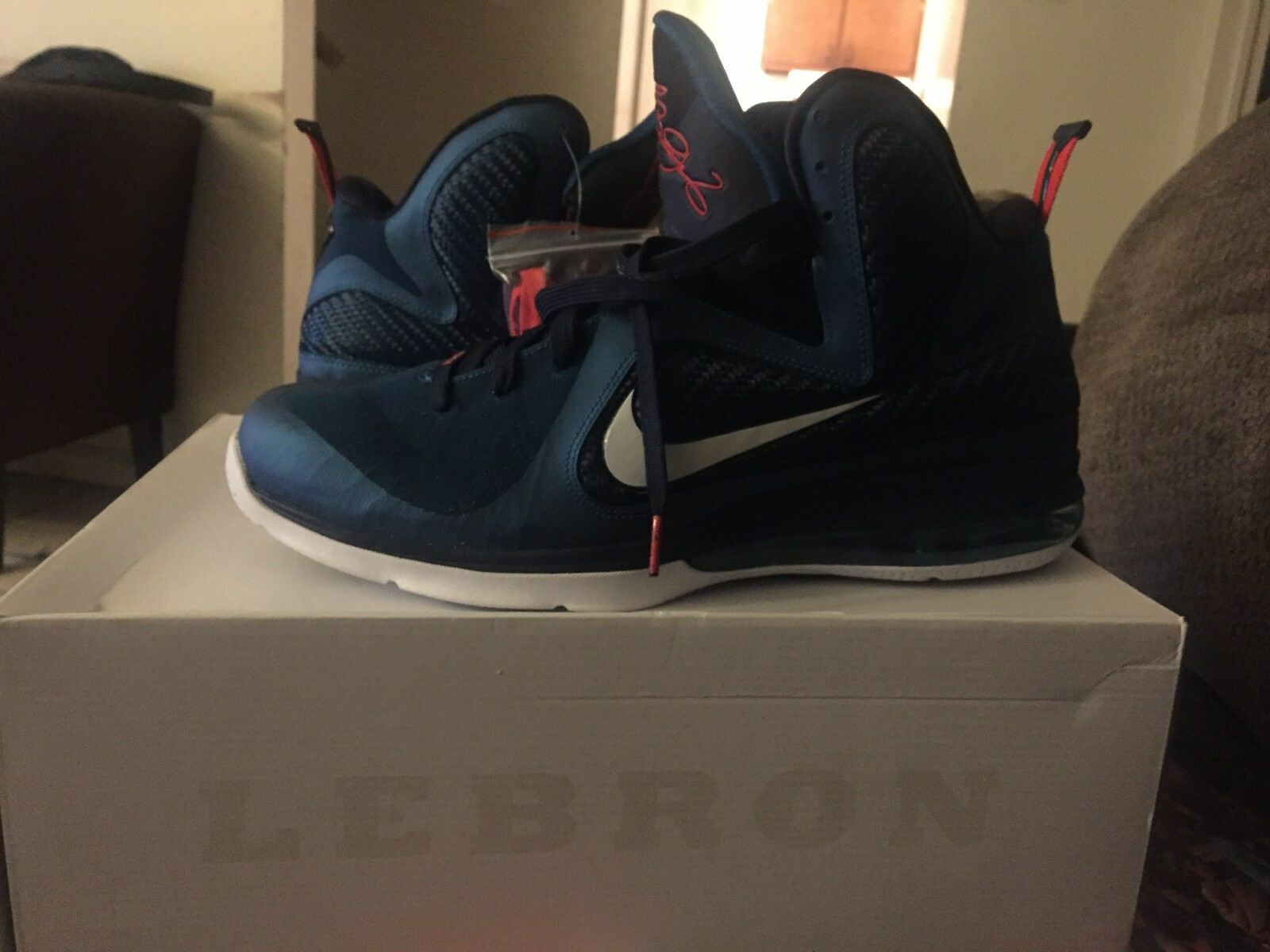 Nike Air Lebron IX 9 Swingman Sneakers Men's Size 14 with box DS (Dead Stock)