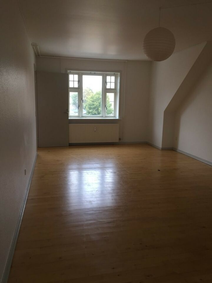 7400 2 lejlighed, 82, Dalgasgade