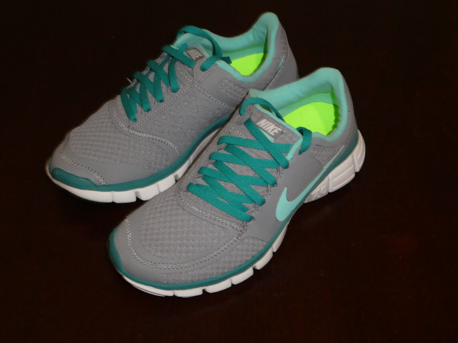 Nike womens Free new 7.0 V2 size 5.5 new Free 396044 044 shoes sneakes e92720
