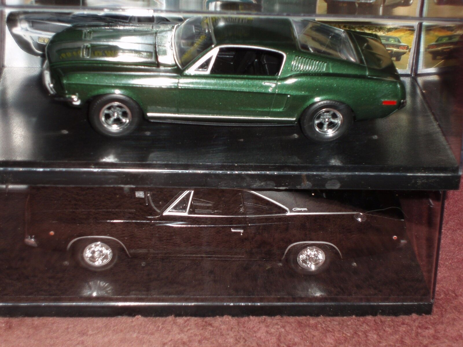 SET of 2 MUSTANG & CHARGER CHARGER CHARGER BULLITT 1 25 1968 w DISPLAY CASES & GRAPHICS da46a1