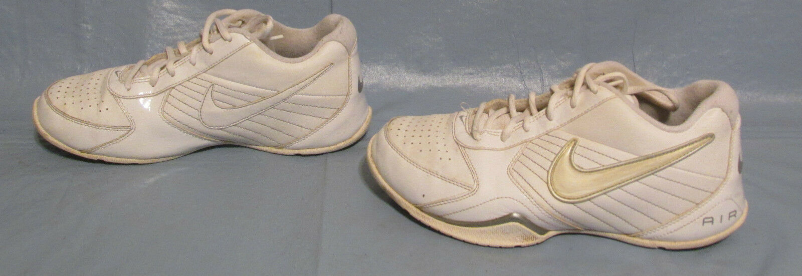 Mens White Nike Air Baseline Low Basketball Running Athletic Shoes Size 7 Used