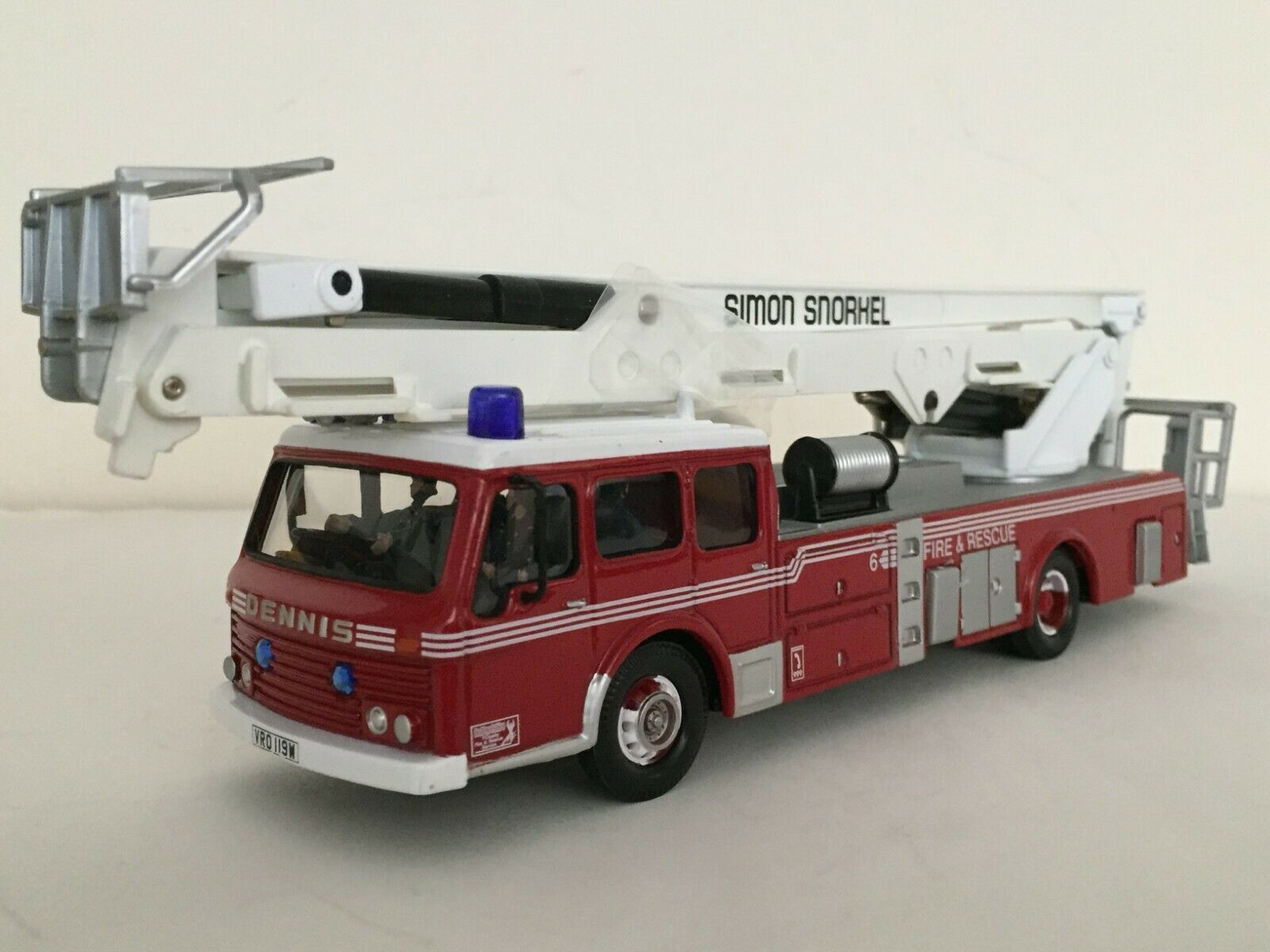 Corgi AN13009 Dennis Simon Snorkel - Bedfordshire County FRS 1 50 NIB  RARE