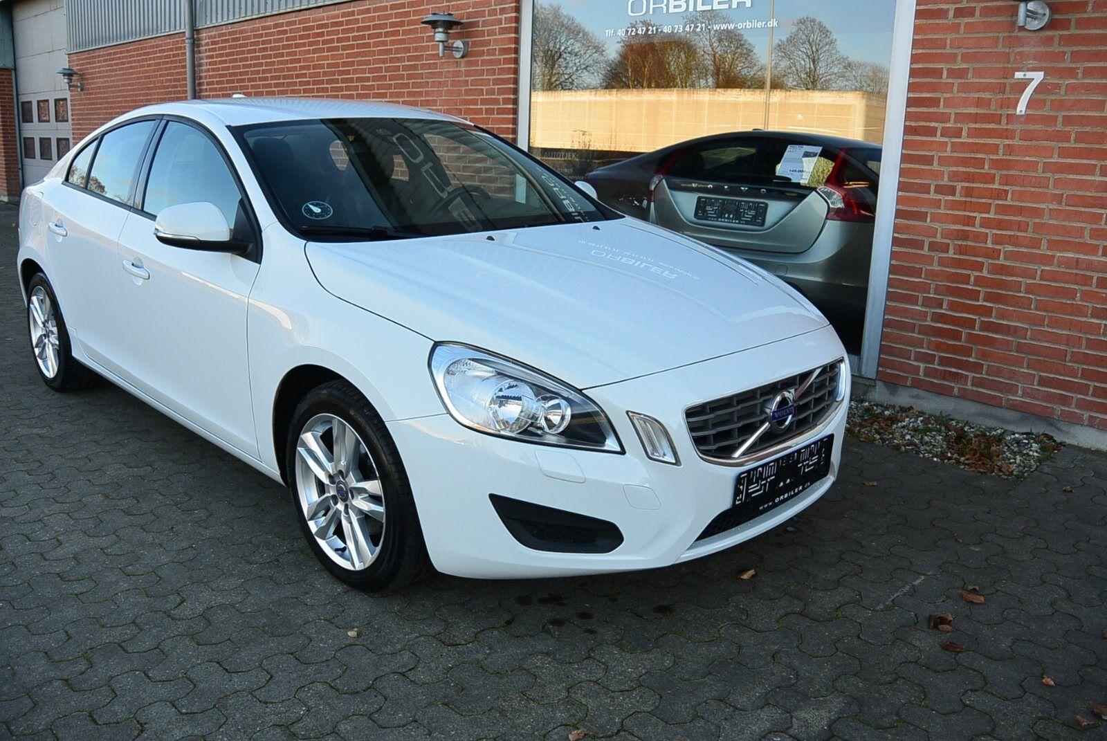 Volvo S60 1,6 DRIVe Kinetic 4d - 164.800 kr.