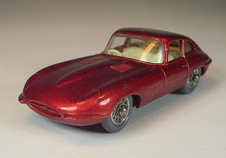 Matchbox Regular Wheels Nr. 32 B Jaguar XKE met. rot GPT w. Spoke Lesney  474