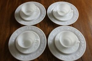 Embossed-Floral-Milk-Glass-Hazel-Atlas-4-Dinner-plates-4-cups-amp-4-saucers