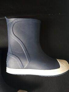 fa291531c4e0 Image is loading Crocs-Boys-Bump-It-Boot-Waterproof-Lightweight-Wellington-