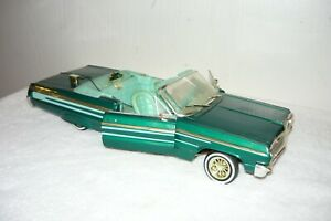 American Muscle Lowrider 1964 Impala Convertible   Die Cast 1:18
