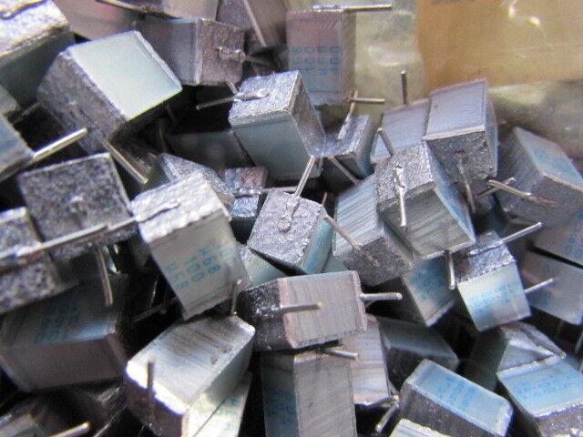 cantidad: 20 un. B32561-01684J Siemens .68uF 100 V radial apilados Film Condensadores 5/%