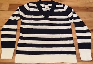 Gap-Women-s-2XL-XX-Large-Navy-Blue-amp-White-V-Neck-Striped-Sweater-Nwt