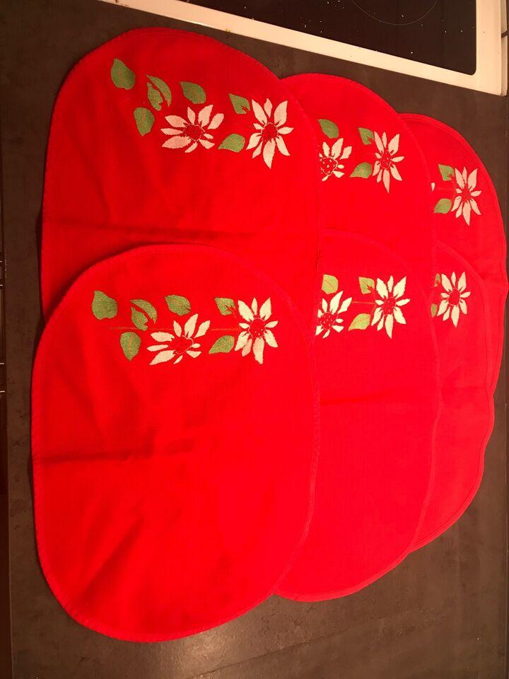 6 nye røde dækkeservietter med blomster