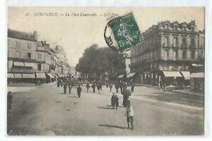 24-PERIGUEUX-LA-PLACE-DAUMESNIL