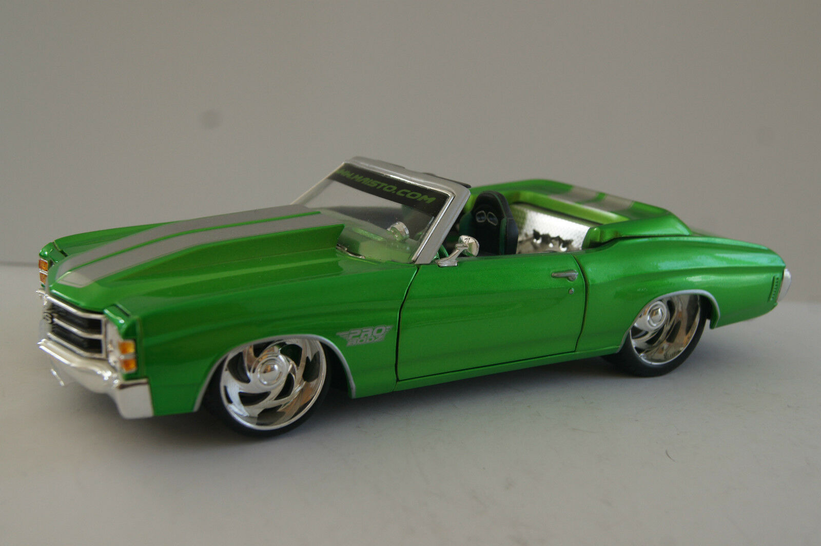 MAISTO voiture miniature 1 18 CHEVROLET CHEVELLE 1971 par podz
