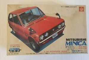 CROWN MITSUBISHI MINICA ´70 GSS MOTORIZED 1/20 MODEL KIT 209-300