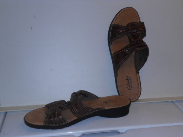 Pair of Women's Clarks Brand Bendables Brown Leather Scandals