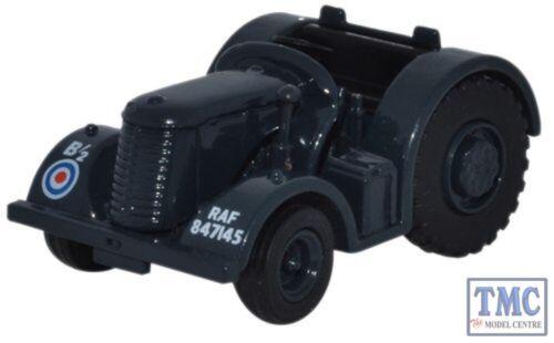 76DBT006 Oxford Diecast 1//76 Scale OO Gauge David Brown Tractor RAF Blue//Grey