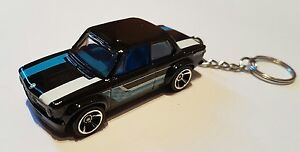 Hotwheels-Bmw-2002-KEYRING-automovil-de-fundicion