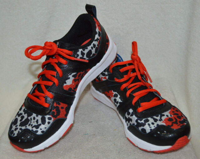 5f277c2ac3af59 Reebok Girl s Truetraction Thrill Becko Red Black Steel Running Shoes - 2.5