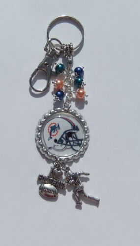 NFL INSPIRED FOOTBALL TEAM FLAT BOTTLE CAP KEYCHAINS CHOSE FROM 32 TEAMS