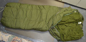 Used-Canadian-military-1-piece-Cold-weather-outer-arctic-sleeping-bag-O-51