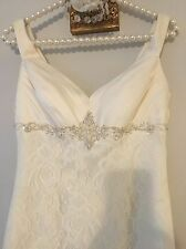 Davids Bridal Wedding Dress 4 Ivory Lace Train