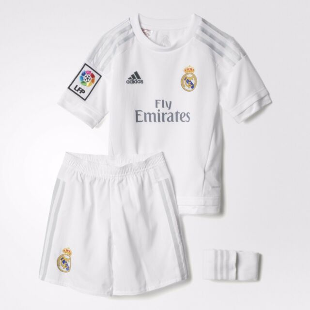 adidas Boys Kids Real Madrid Full Football Kit 2015   2016 Gift Set ... 38520344ce769