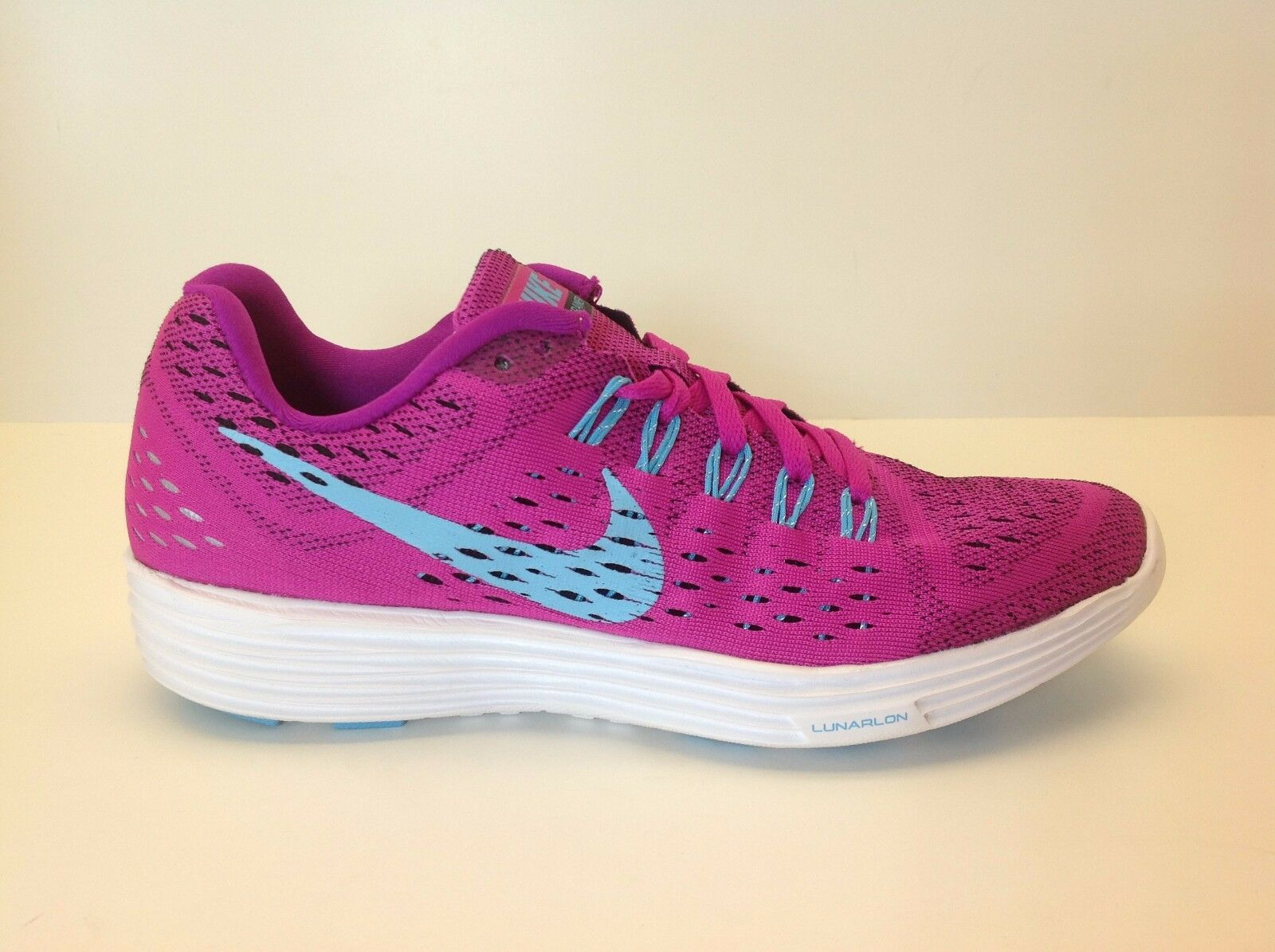 Women's Nike Lunartempo Size 8 New 500 in Box Fuchsia/White 705462 500 New 5570e5
