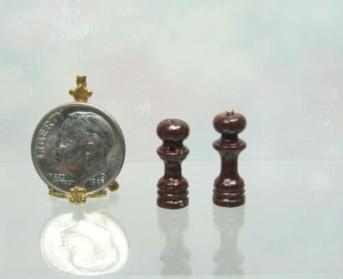 Dollhouse Miniature Salt /& Pepper Shakers