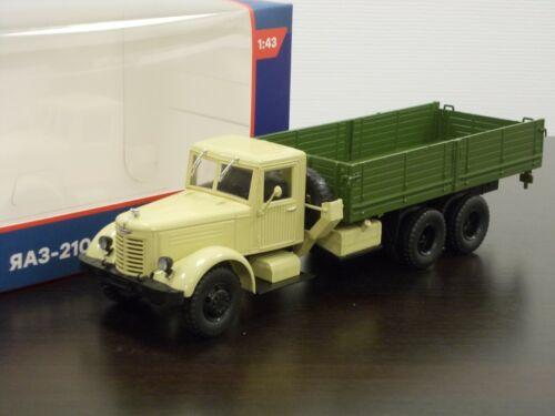 1:43 YaAZ-210 Heavy Flatbed Truck #23 Legendary Trucks Modimio