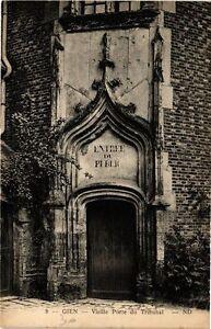 CPA GIEN - Vieille Porte du Tribunal (241361)